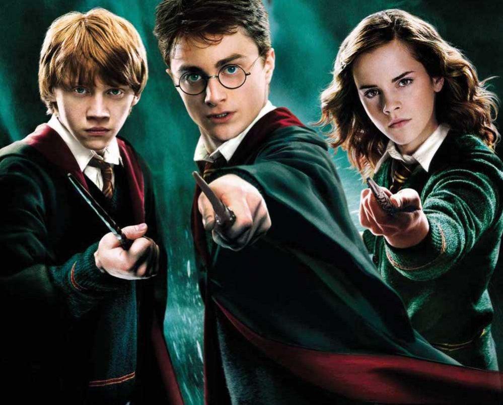 """""""Harry Potter"""": la parabola letteraria della saga di J. K. Rowling"""