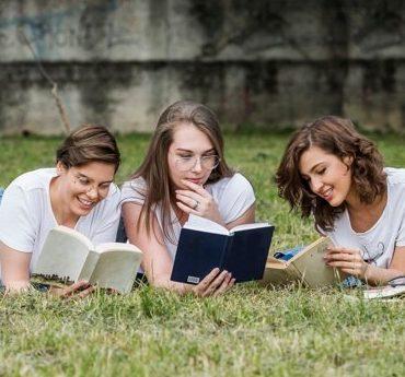 Frasi sull'amicizia: le più belle citazioni sull'amicizia tratte dai libri