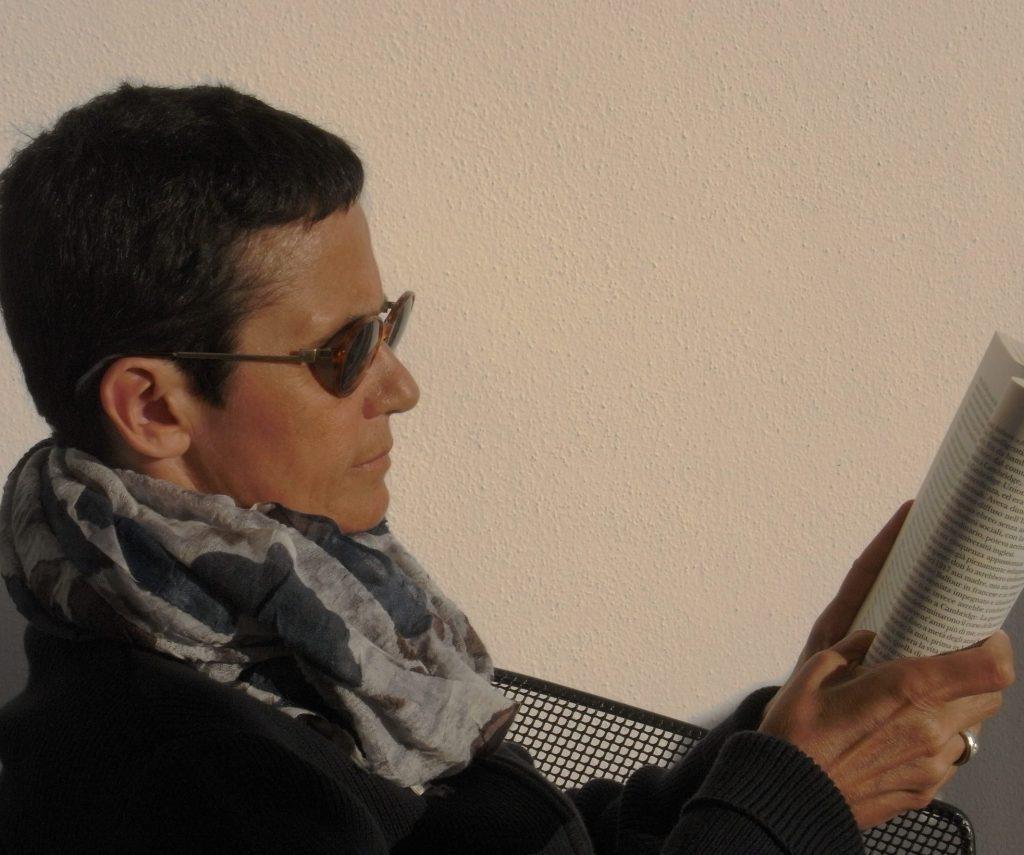 """""""<em>Loving Books</em>. Dialoghi di e sui libri"""" di Nicla Vassallo"""